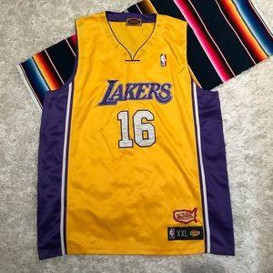 14cff3eb4f4325 Vintage Pau Gasol Von Dutch Lakers 16 Jersey XXL